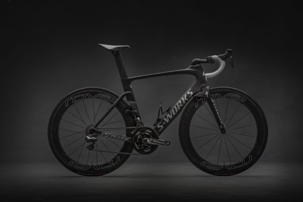 SPECIALIZED_VENGE_2016_016_as_Smart_Object-1